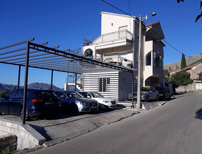 Apartmani i vozila 1